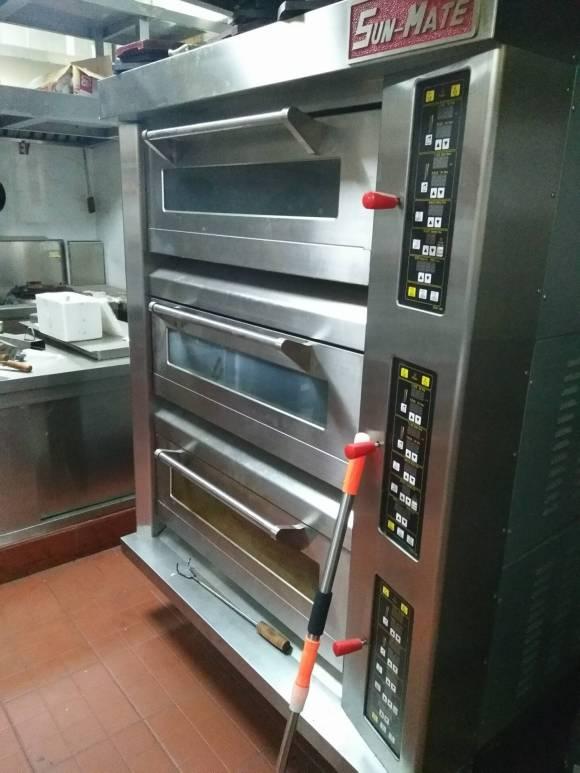 东莞面包房设备回收 烘焙设备回收 烤箱回收 烤盘烤架回收
